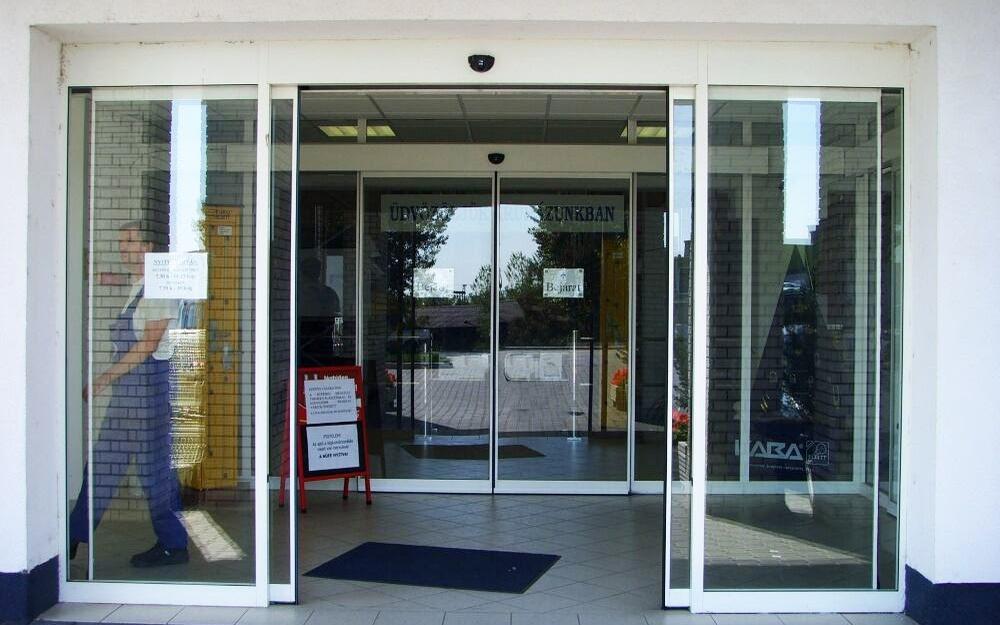 Раздвижные двери для магазина